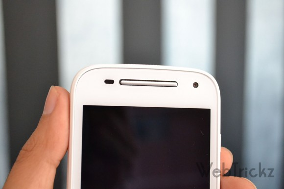 Moto E 2015 front camera and loudspeaker