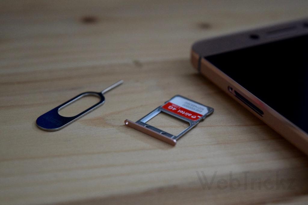 Dual Nano SIM tray
