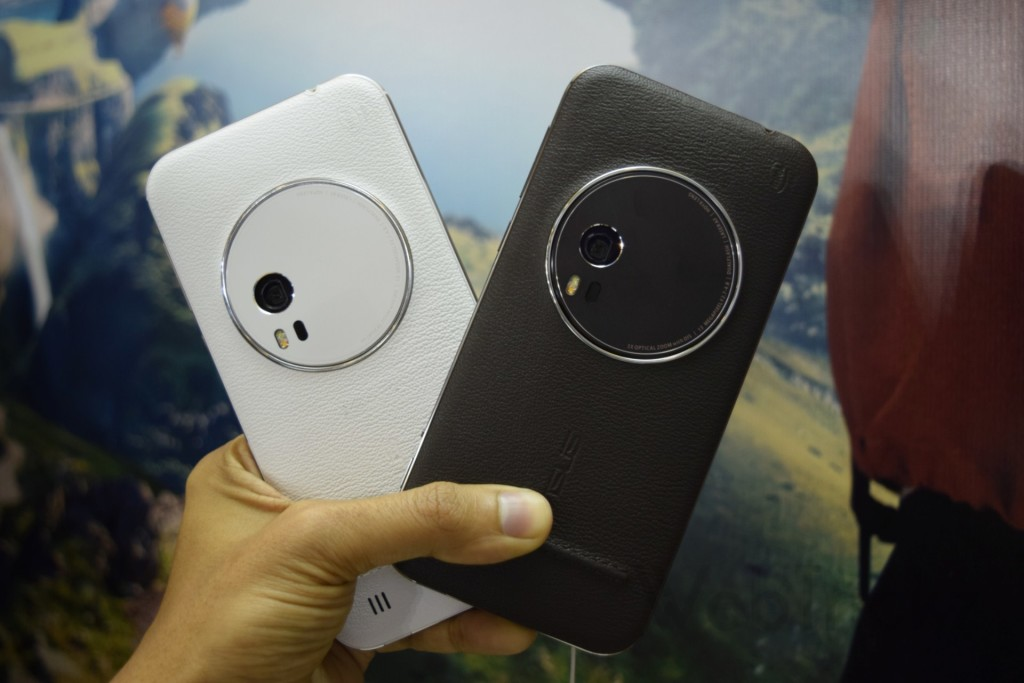 Asus Zenfone Zoom_White vs Black