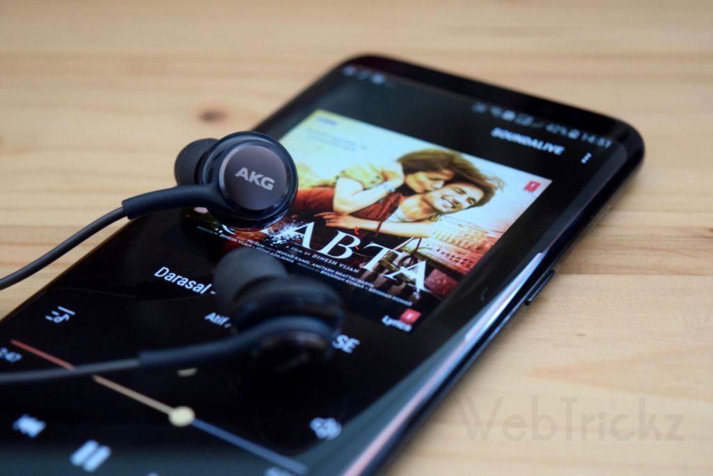 Samsung Galaxy S8 AKG earphones