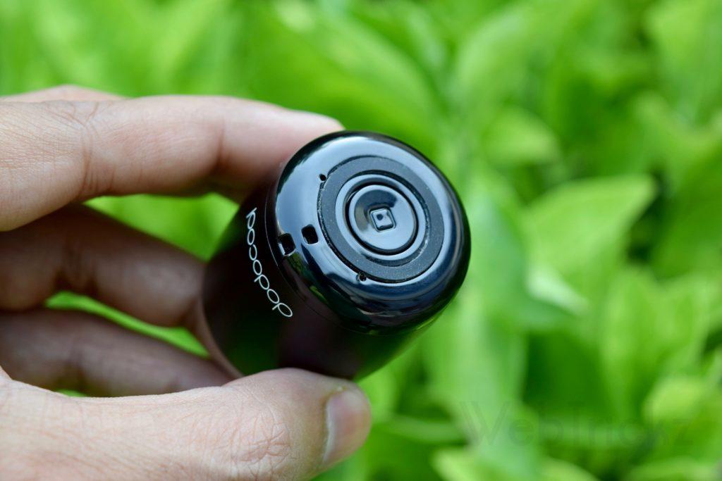 dodocool Mini Wireless Speaker controls