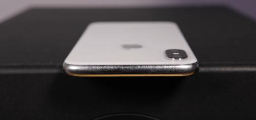 iPhone X scratches