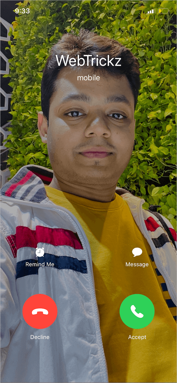 make contact picture full screen on iPhone